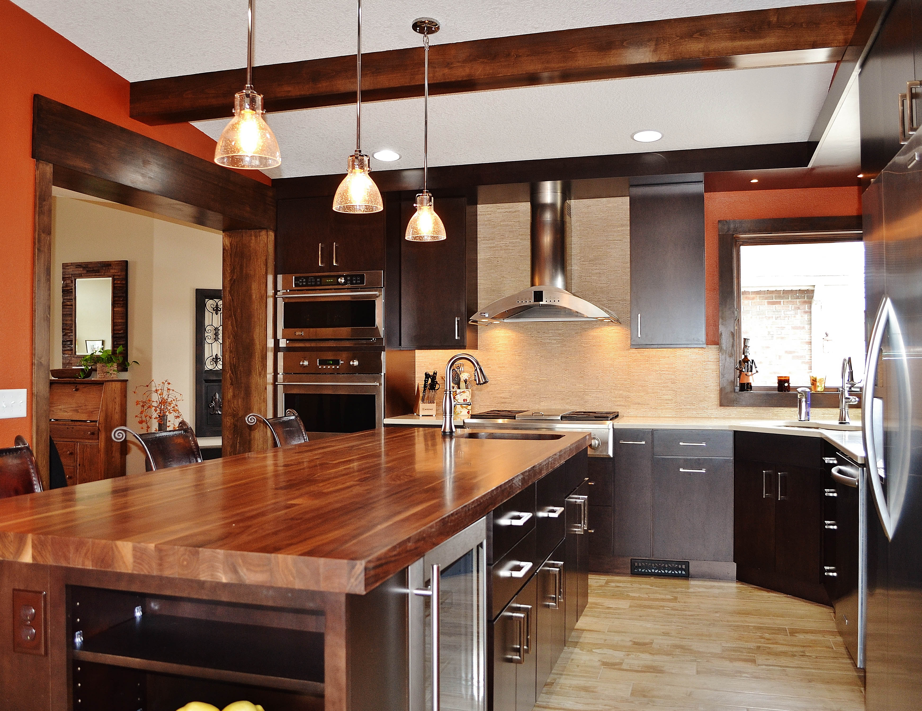 A Kitchen Remodel With Midrange Finishes And Appliances Would Cost $63,629  In Des Moines, Increase The Homeu0027s Value By $32,361, For A 50.9 Percent  Return.