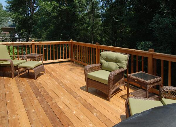 The Benefits and Drawbacks of Natural Wood Decking Materials